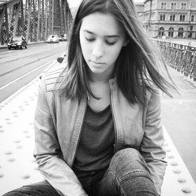 Adrienn Mózsik