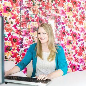 Amber Oliver | DIY + Colorful Crafts + Home Decor