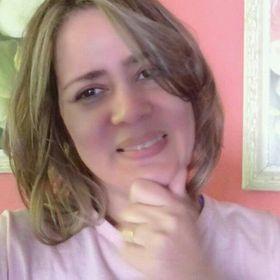 Simone Leal