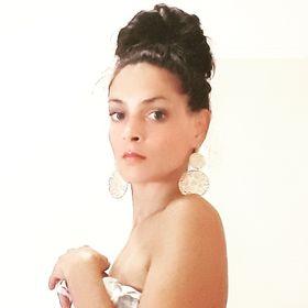 Claudya Rosebell M.