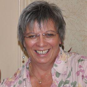 Joanna Lamb (Louise Charles)