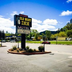 The Old West Inn - Willits