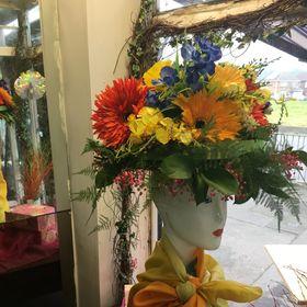 Mel Petite Fleur Floristry