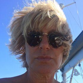 Agnès Martin