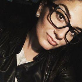 Lea Devonne