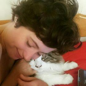 Bethany @ Little Green Seedling | Blogger & vegan freelance writer