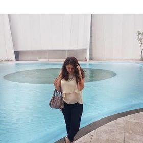 4f34725c2fdf Belinda Ruiz (belindaruizdlap) on Pinterest