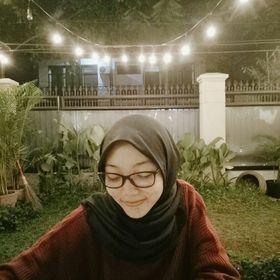 Ajeng Siti