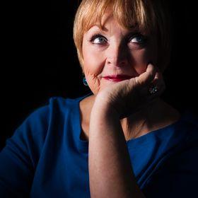 Debra Holt