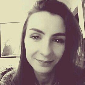 Ania S