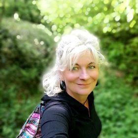 Angela Leser