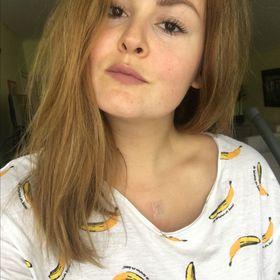 Laura Inczeffy