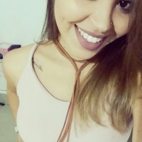 Alyne Oliveira