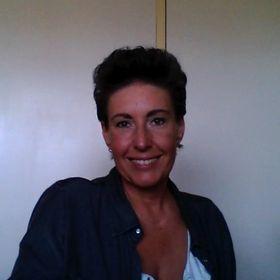Claudia van Oers