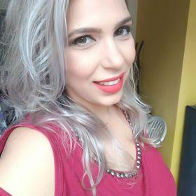 Flávia Vieira