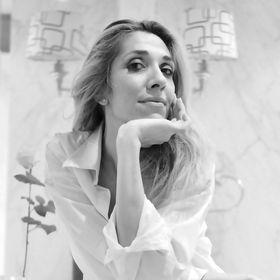 Elena Arsenoglou