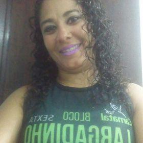 Simone Kika Oliveira