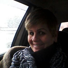 Angela Medeiros