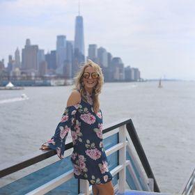Sunset Chasing Blonde   Travel Blogger   Lifestyle