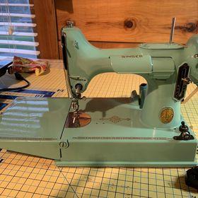Vintage Sewing Machines Online