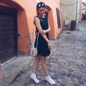 Julia Nicole ✨