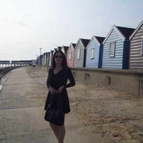 Chloe B Blogger