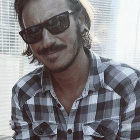 Arlberg Mustache