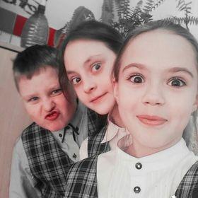 Соня Комиссарова