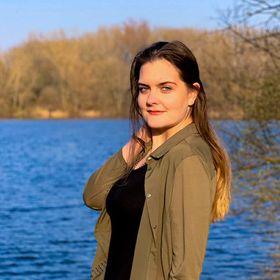 Christina Bond