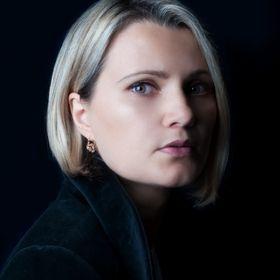 Renata Jon Hair