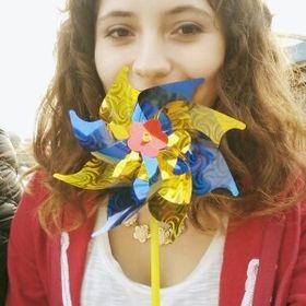 Camila Mora