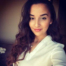 Emma Bukos