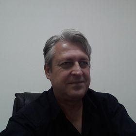 Sakis Koukouvis