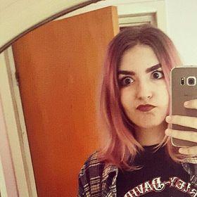 Carina Cobain Navarro