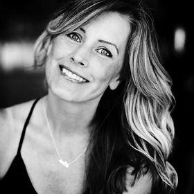 Angie Lyons - wedding & lifestyle images