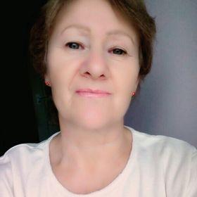 Zsuzsa Szabad