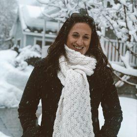 Megan MacNee | Traveling Nine to Fiver