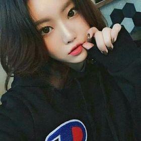 Shin Yong Hee