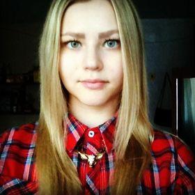 Алена Столярова