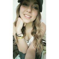 Andrea Arenas