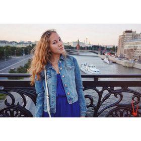 Лиза Слуцкая