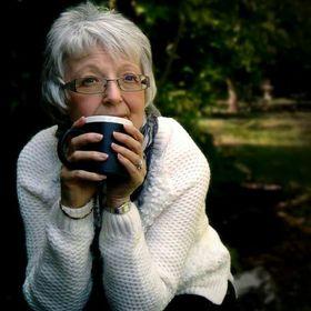 Yvonne J Richards