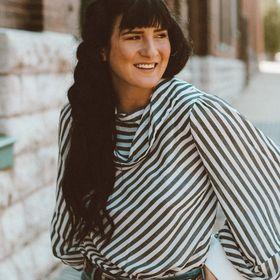 Ashley Lentz | Mindfulness + Relationship Tips