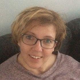 Joannette Van de Pol