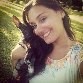 Manoela Neves