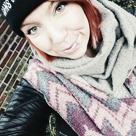 Nadine Tiov