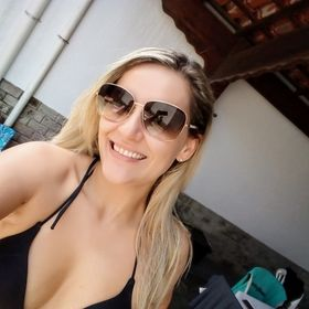 Camila Ribeiro
