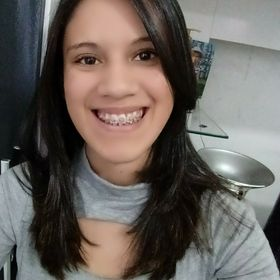 Adriane Maria