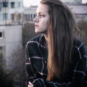 Júlia Oláh