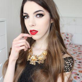 Klaudia M